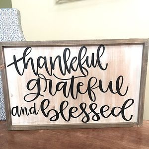 WOODEN FARMHOUSE STYLE SIGN ‼️💗